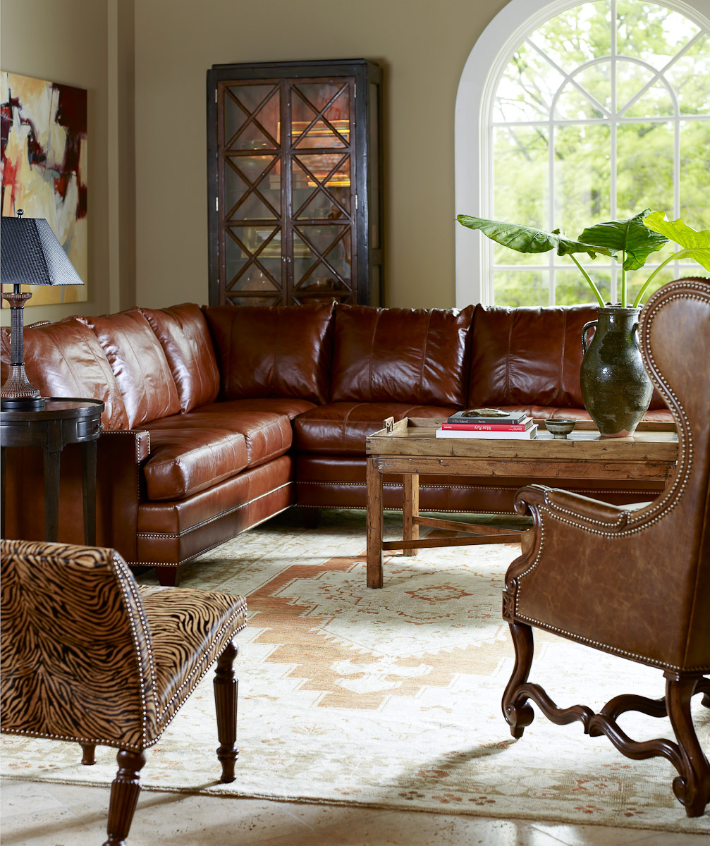 Living Room Furniture: Living Room Leather Furniture