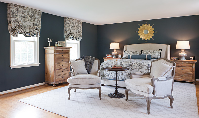 Beautiful Neutral & Navy room